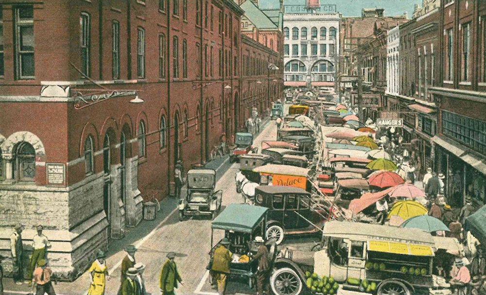 Market Square, which in 1915 had a large Market House in the middle of it, is described in detail in James Agee's 'A Death in the Family.'