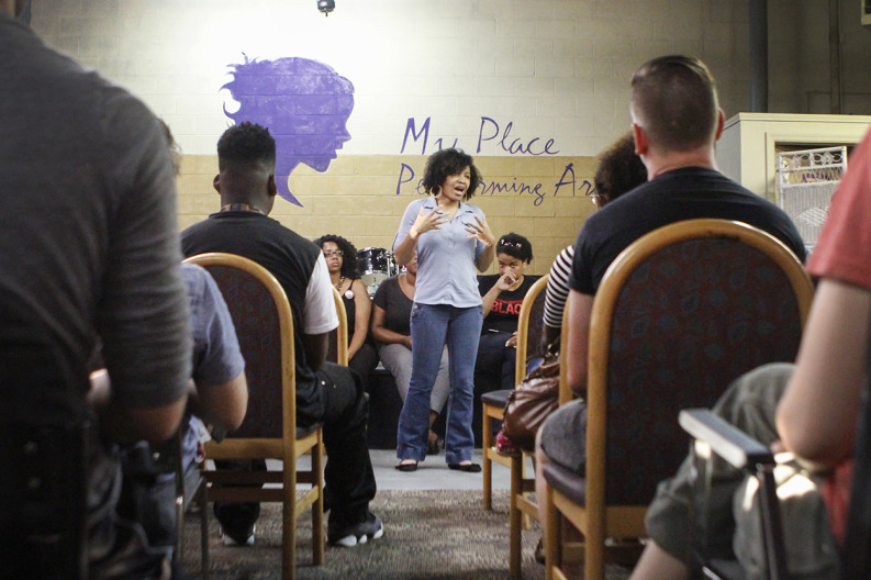 Jasmine Newton talks about what motivated her to get involved with the Black Lives Matter movement during a meeting in East Knoxville. Photo by Clay Duda.