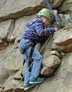 OUTDOORS_v2i10_Climbing2