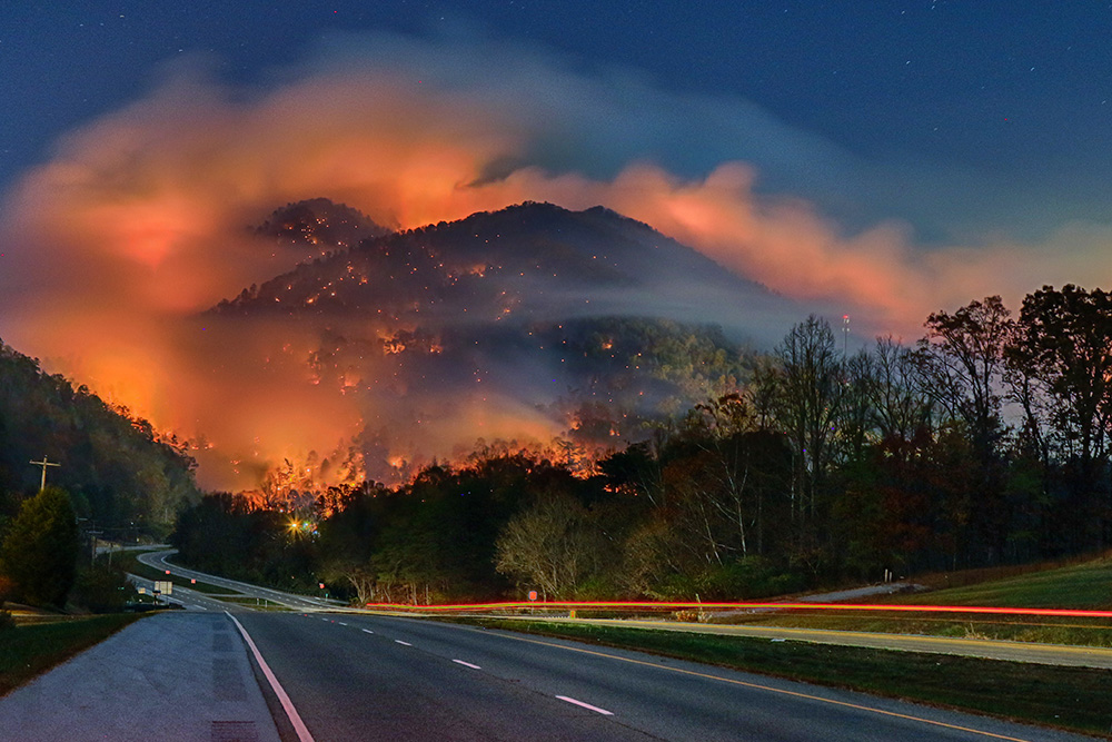 fire on the mountain inside east tennessee 39 s wildfires the knoxville mercury. Black Bedroom Furniture Sets. Home Design Ideas