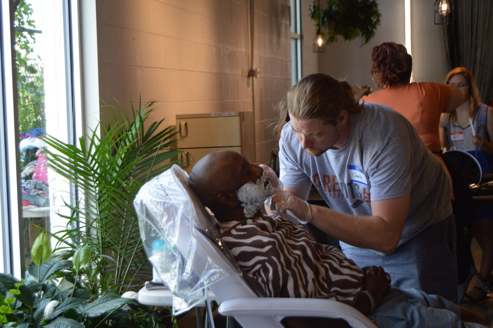 Carecuts Bolsters Knoxvilles Homeless With Free Haircuts And Caring